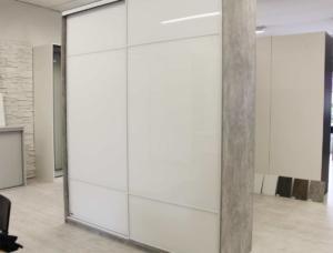 Liukuovikaappi_betoni_valklasi2